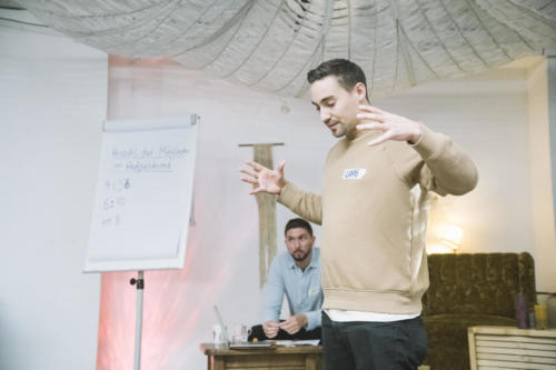 Genosse Lukas erklärt das Wahlprozedere